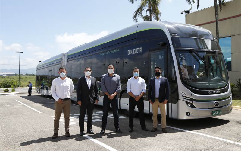 por primera vez byd presenta un autobus electrico articulado fabricado en brasil grafico 10982