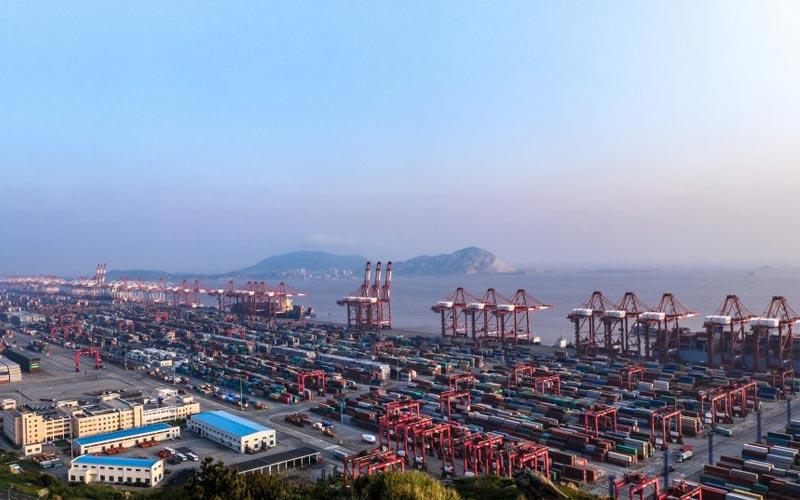 Shanghai es el puerto más activo de China