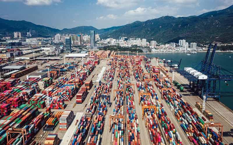 El puerto de Shenzhen es uno de los principales puertos de China y el tercero del mundo detrás de Singapur.